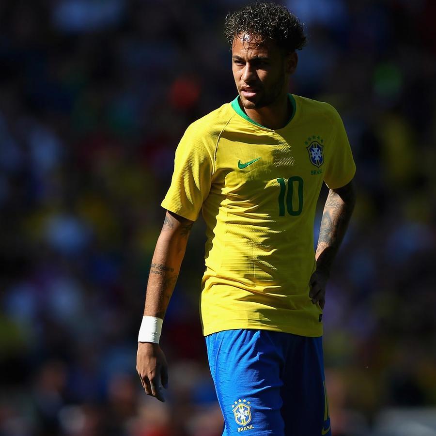 Neymar con la camiseta de Brasil