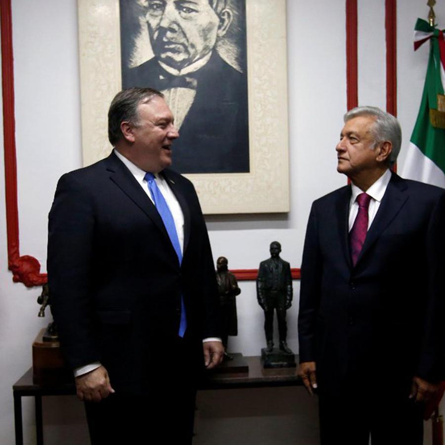 El presidente electo de México, Andrés Manuel López Obrador, y el secretario de Estado de EEUU, Mike Pompeo en las oficinas del izquierdista en Ciudad de México el viernes 13 de julio de 2018