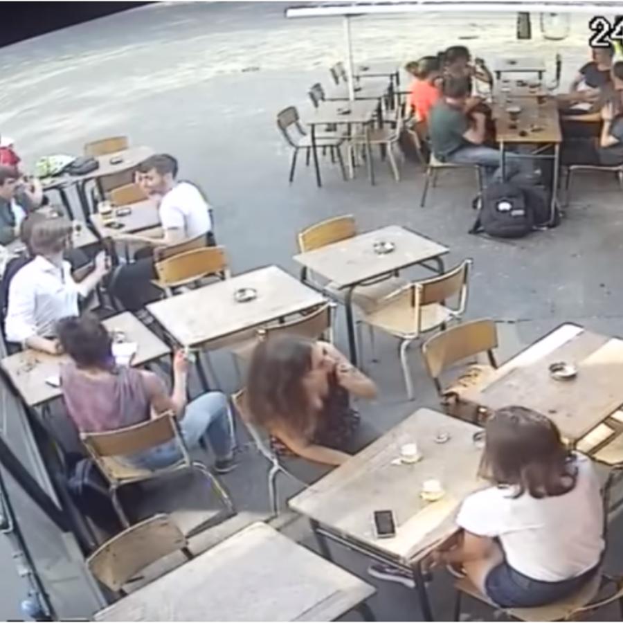 Imagen de la cámara de seguridad que grabó la agresión.