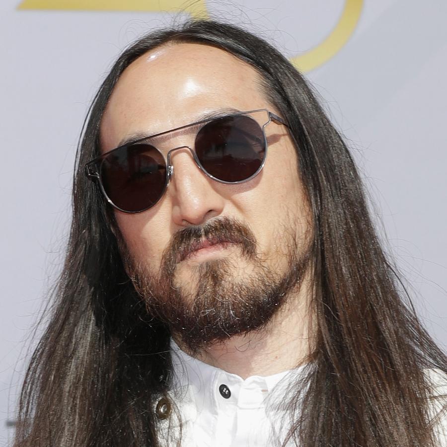 Steve Aoki wearing sunglasses