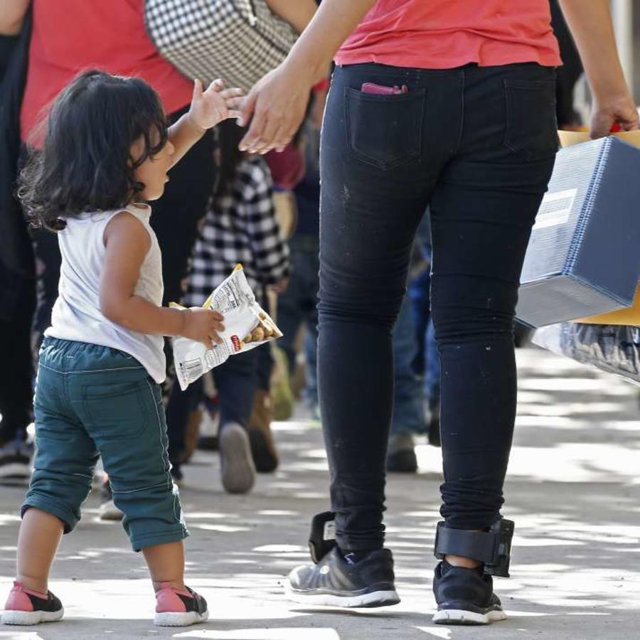 Activistas esperan que los familiares deportados puedan reunirse con sus hijos.