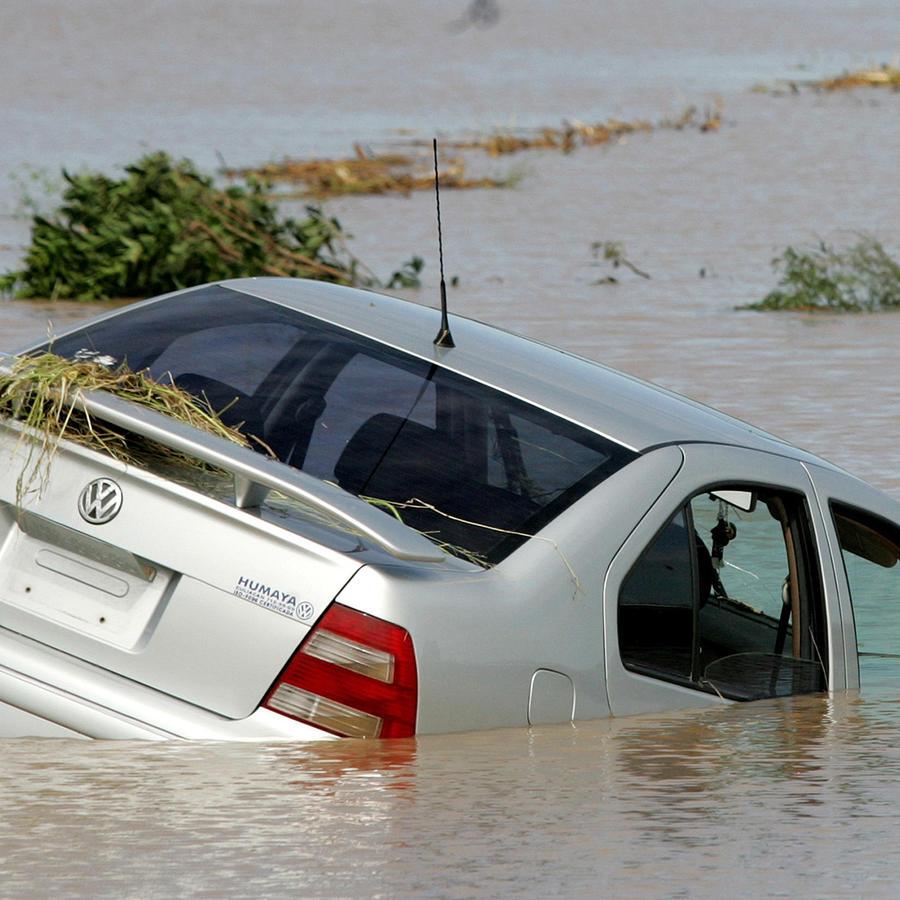 En Sinaloa las precipitaciones son debidas a la inestabilidad muy elevada generada por las altas temperaturas del Golfo de California, que originan sistemas de tormenta de corta duración. Foto de archivo de inundaciones en la capital de Culiacán, México.