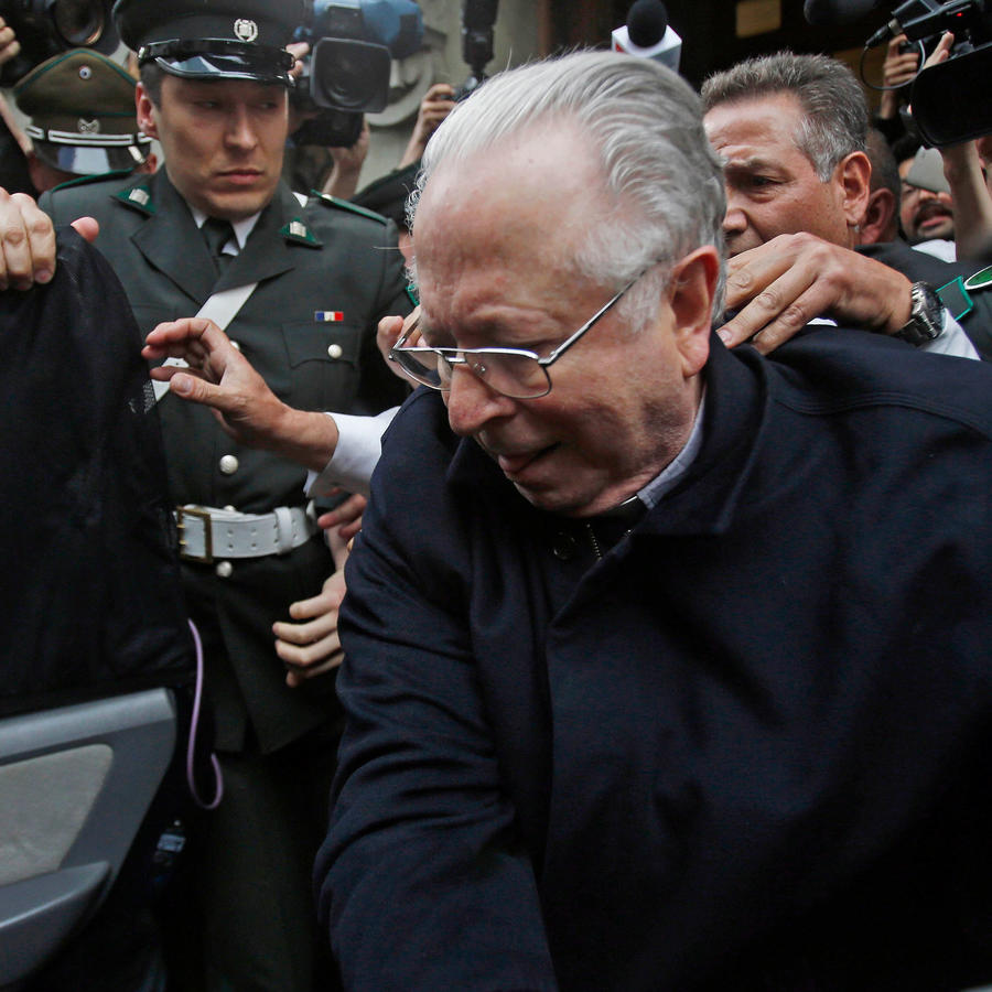 Sacerdote chileno Fernando Karadima acusado de abusos sexuales