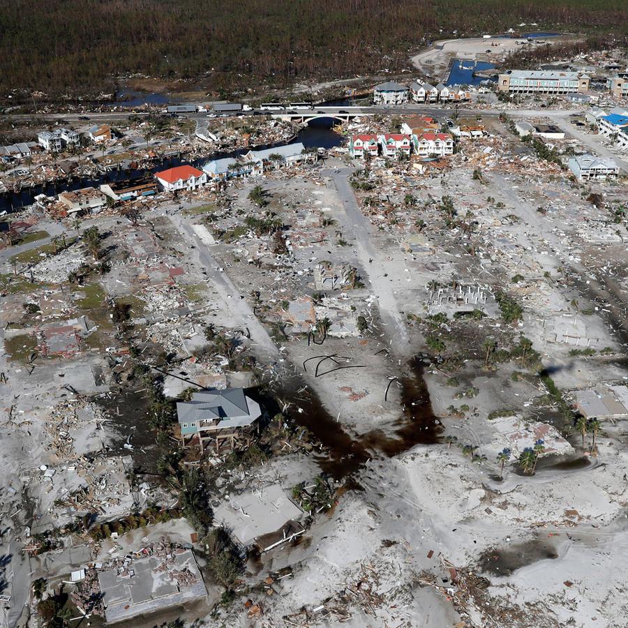 Vista aérea de la devastación en Mexico Beach, tras el azote del huracán Michael
