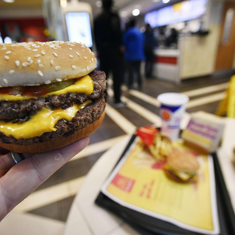 Una hamburguesa Double Quarter Pounder de McDonald´s.