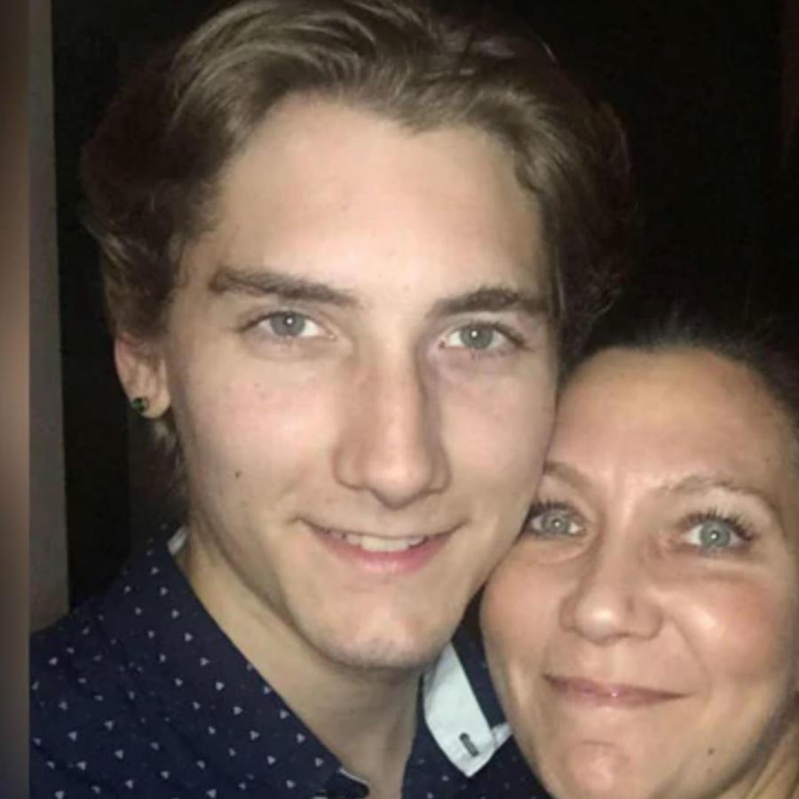 Christopher Precopia y su mamá