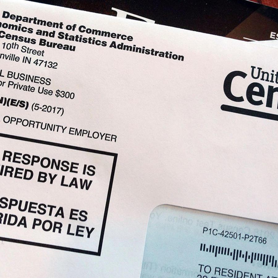 La imagen muestra cómo luce el sobre del censo que se envía a cada residente del país.