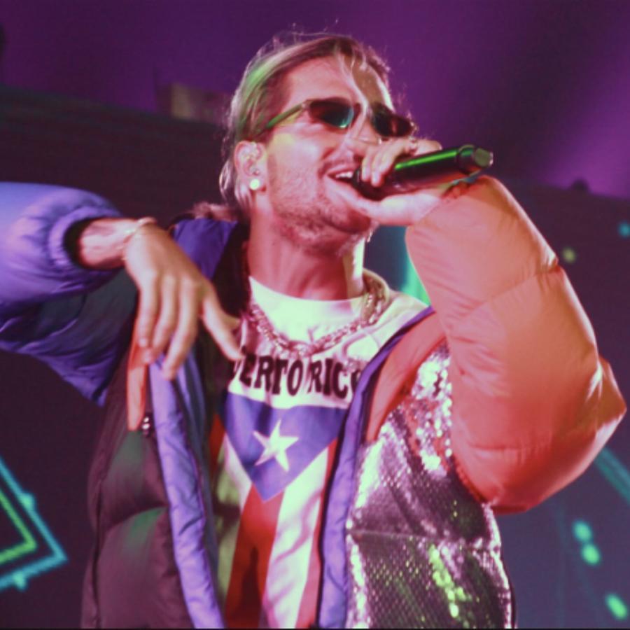 Maluma canta en el concierto de Wisin & Yandel en Puerto Rico