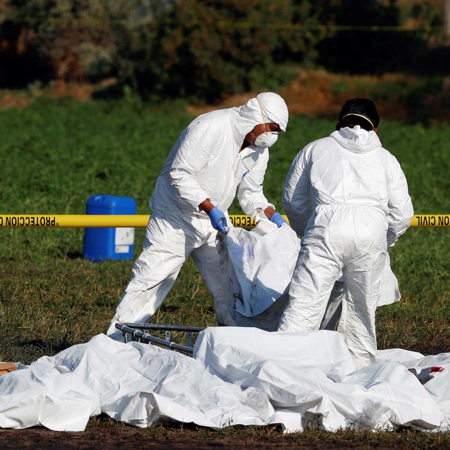 Escenario de la tragedia en méxico tras explosión por la toma de gasolina de un ducto