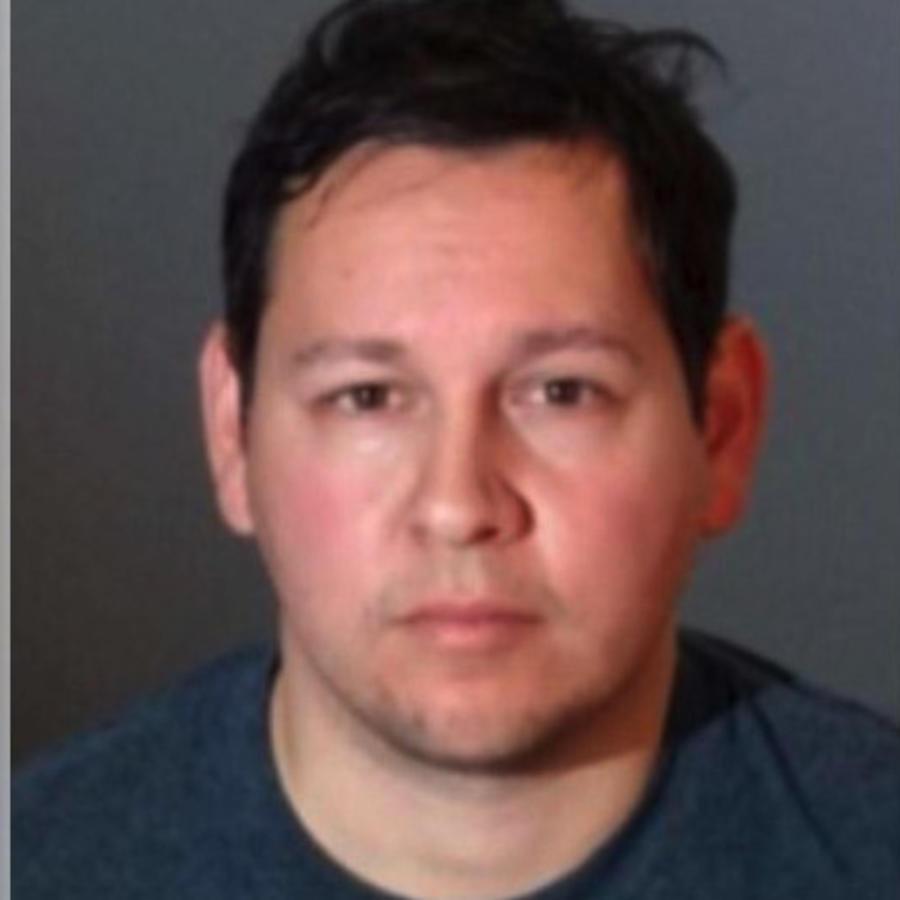 James Anthony González, acusado de iniciar conversaciones sexuales con menores