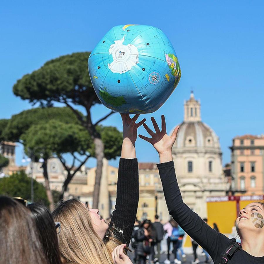 Estudiantes italianos protestan en contra del cambio climático.