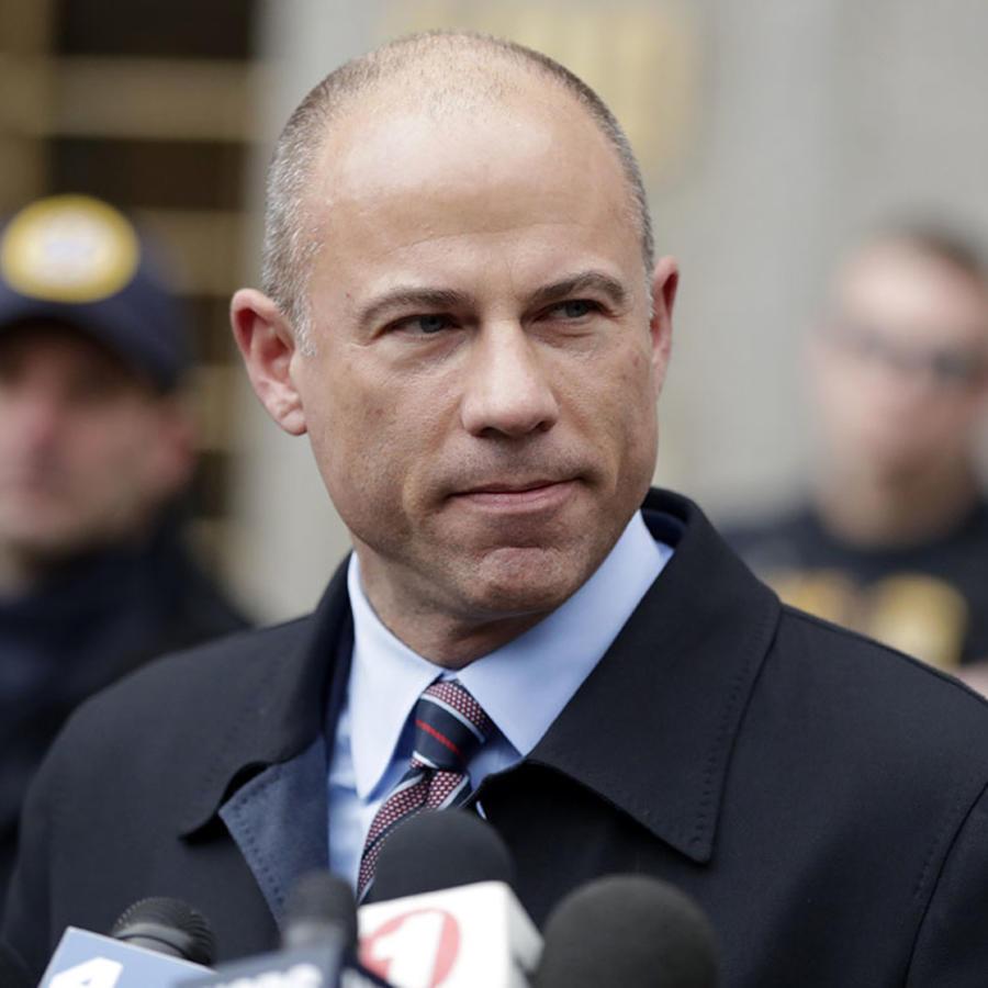 El abogado Michael Avenatti a la salida de una corte en Nueva York.