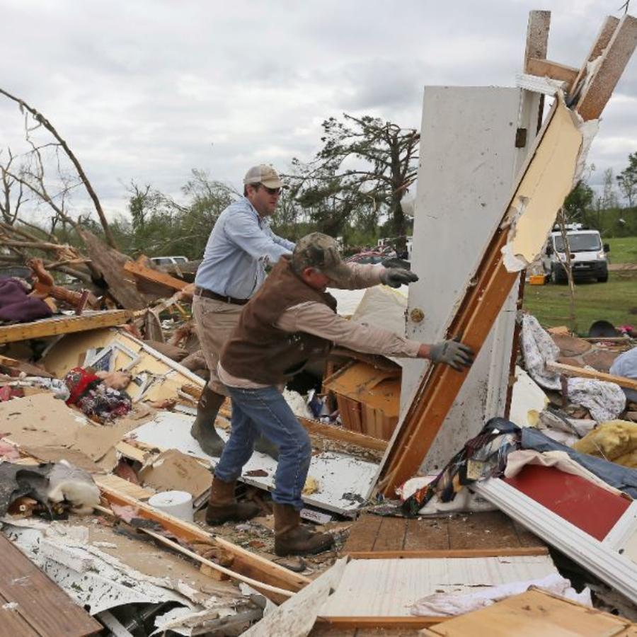 Casa destruidas en Hamilton. Mississippi, donde un tornado tocó tierra la noche del sábado 13 de abril de 2019.