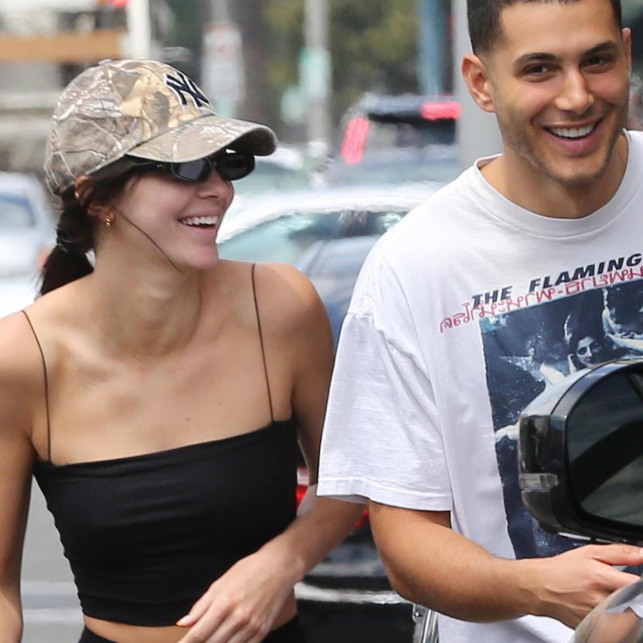 Kendall Jenner sale a almorzar a Beverly Hills