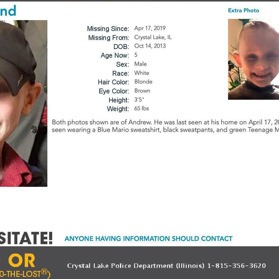 Foto oficial del documento con los datos sobre AJ Freund tras ser reportado como desaparecido