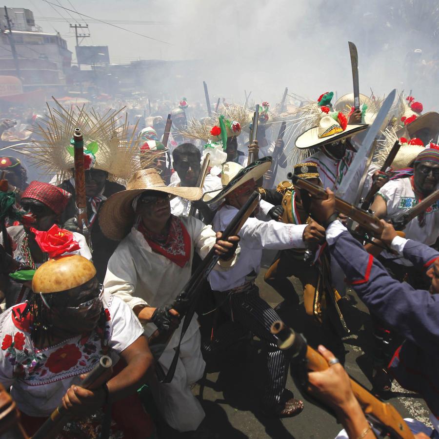 Recreación de la batalla de Puebla en la ciudad de México en una imagen de archivo.