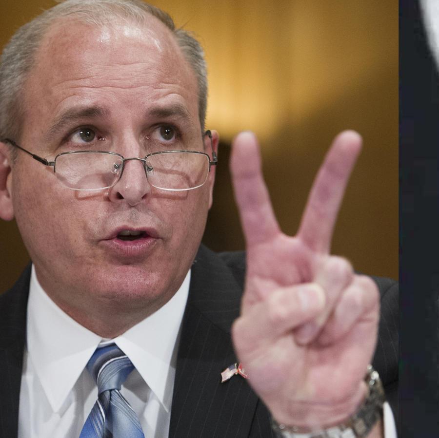 Mark Morgan testifica ante el Senado el  4 de abril. A la derecha, insignia de ICE.