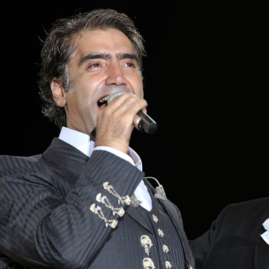 Alejandro Fernández con Vicente Fernández en concierto, 2009