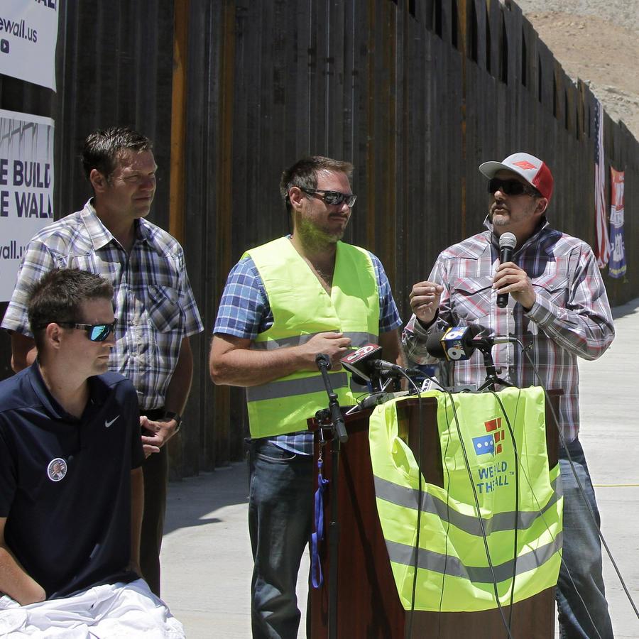 Líderes de Nosotros Construimos el Muro hablan sobre sus planes para construir más barreras fronterizas