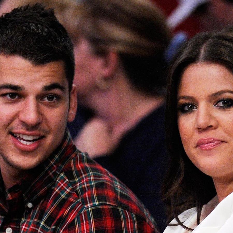 Khloe Kardashian y su hermano Rob Kardashian en un juego de la NBA en el 2009