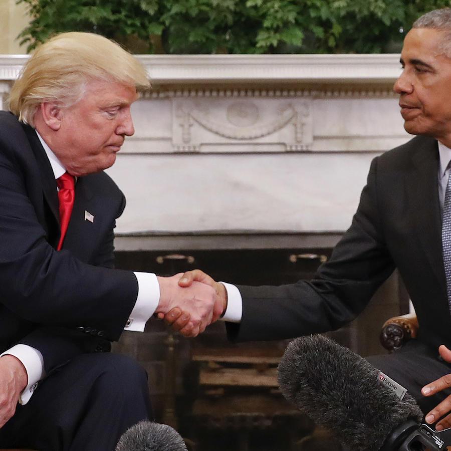 Trump saluda a Obama en la Casa Blanca tras las elecciones de 2016.
