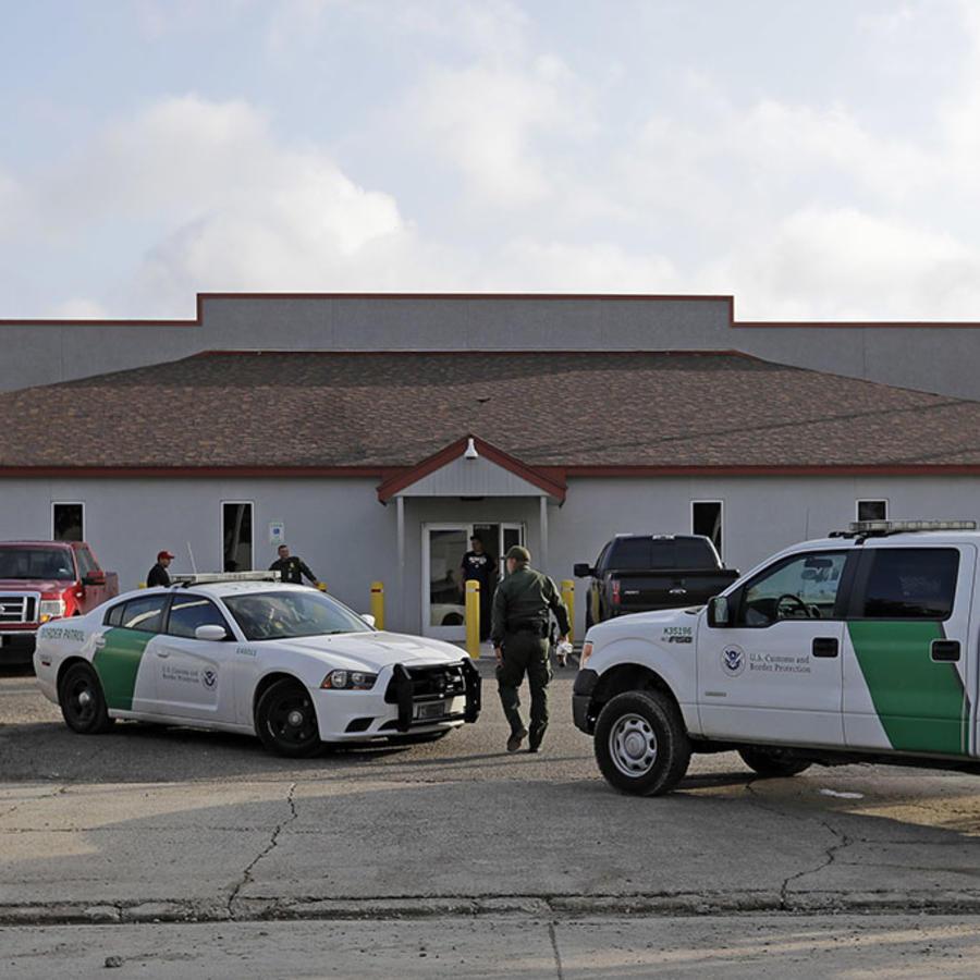 Entrada del Central Processing Center en McAllen, Texas.