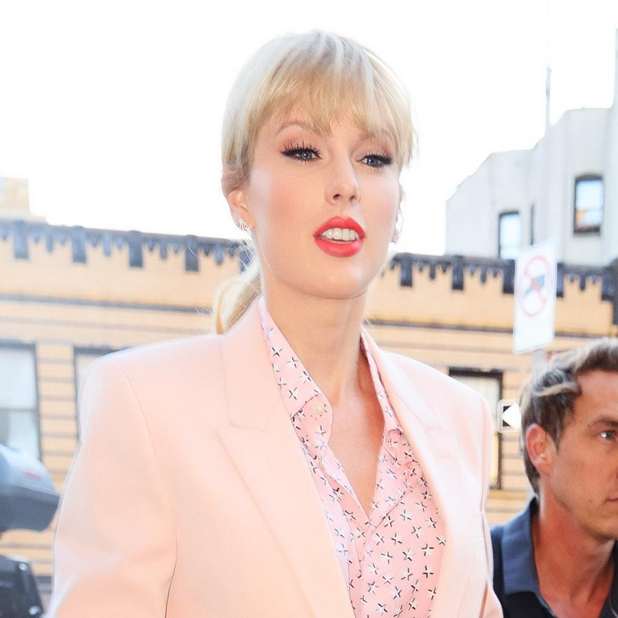 Taylor Swift caught in Scooter Braun scandal
