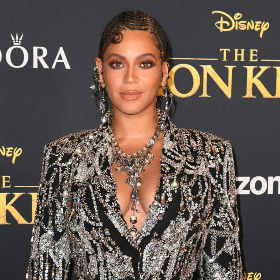 "Beyoncé en la alfombra roja de ""The Lion King"""