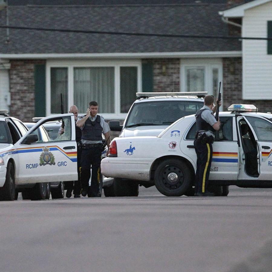 La Royal Canadian Mounted Police durante una llamada de emergencia.