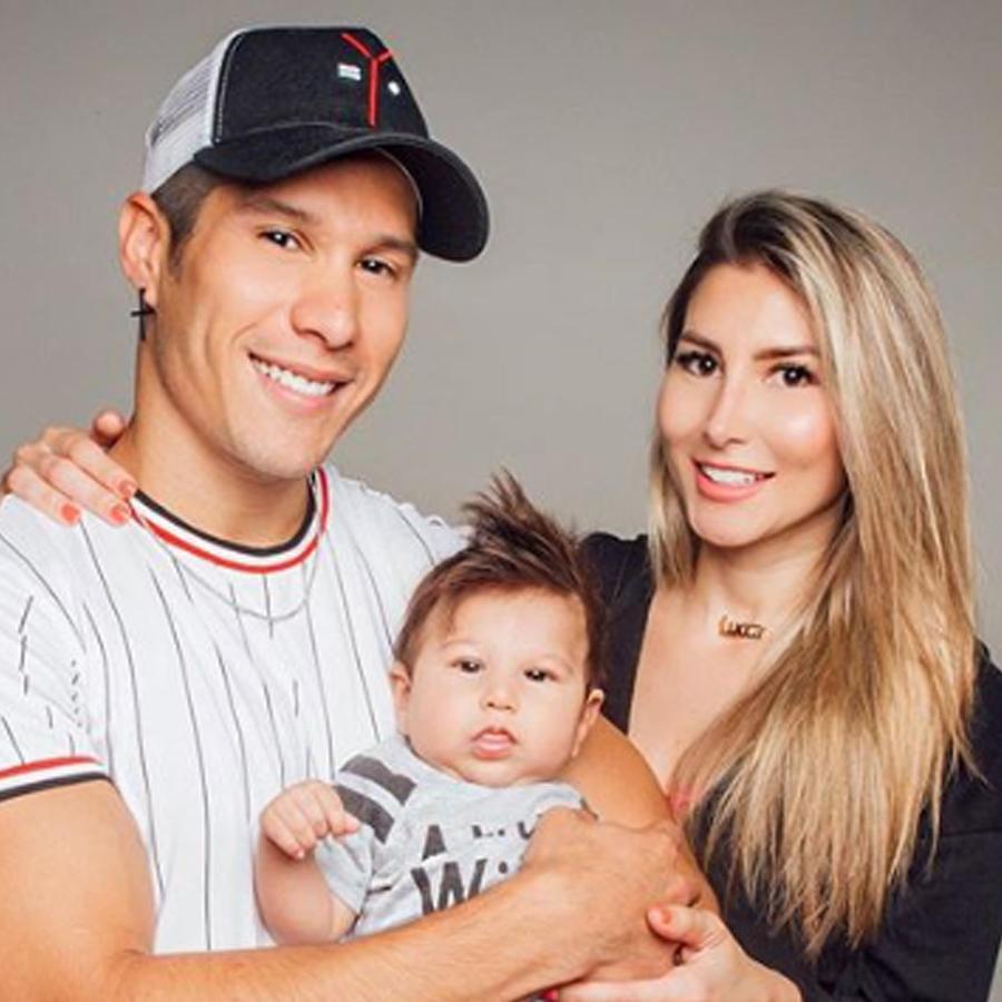 Chyno Miranda y su esposa Natasha Araos