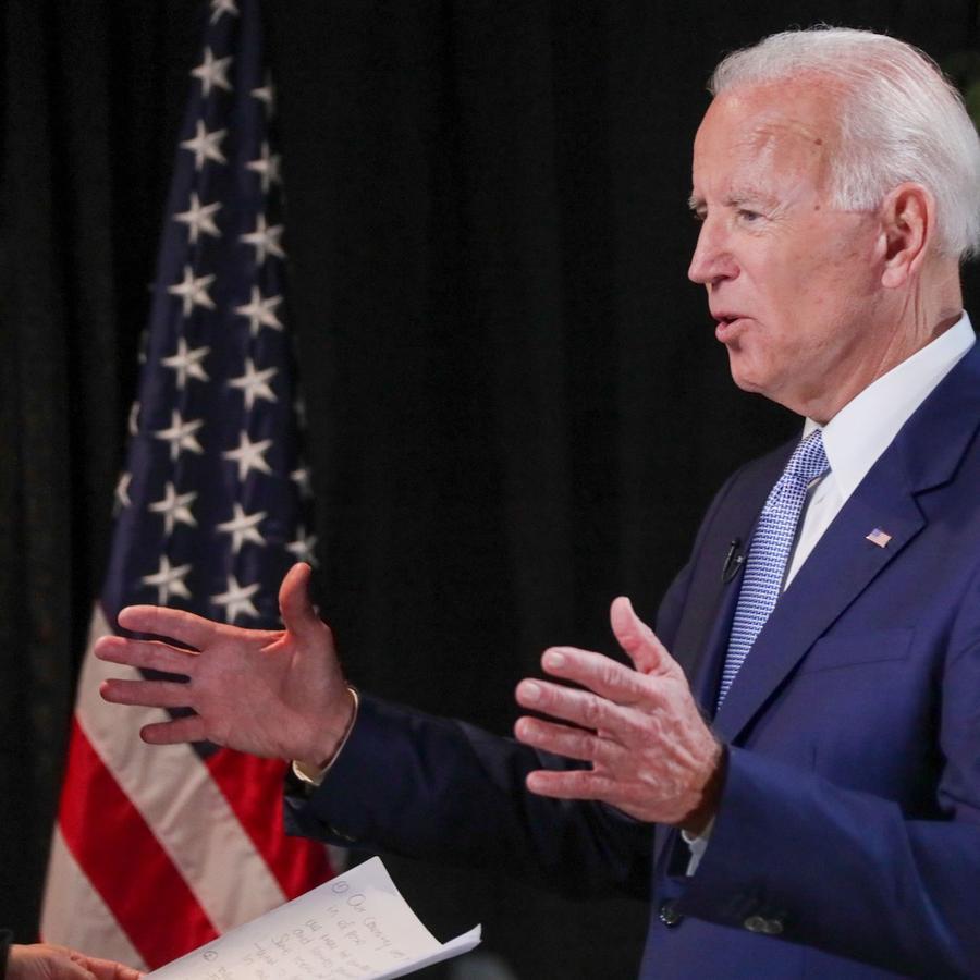Biden, en un momento de la entrevista con Noticias Telemundo el lunes.