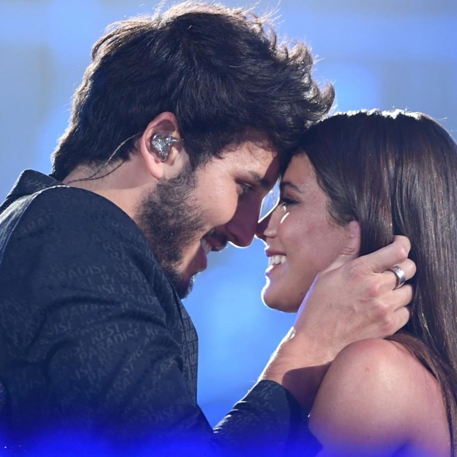 Sebastián Yatra y Tini Stoessel dejaron de esconder su amor.