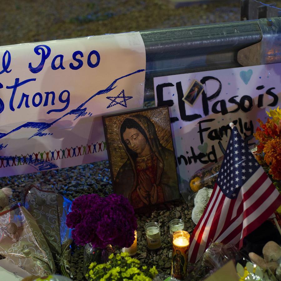 Imagen de archivo de las ofrendas en memoria de las víctimas de la masacre de El Paso, Texas.