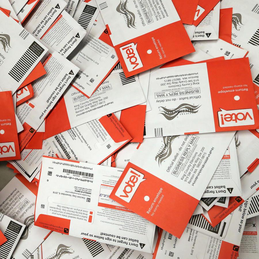 Imagen de archivo de papeltas de votación.
