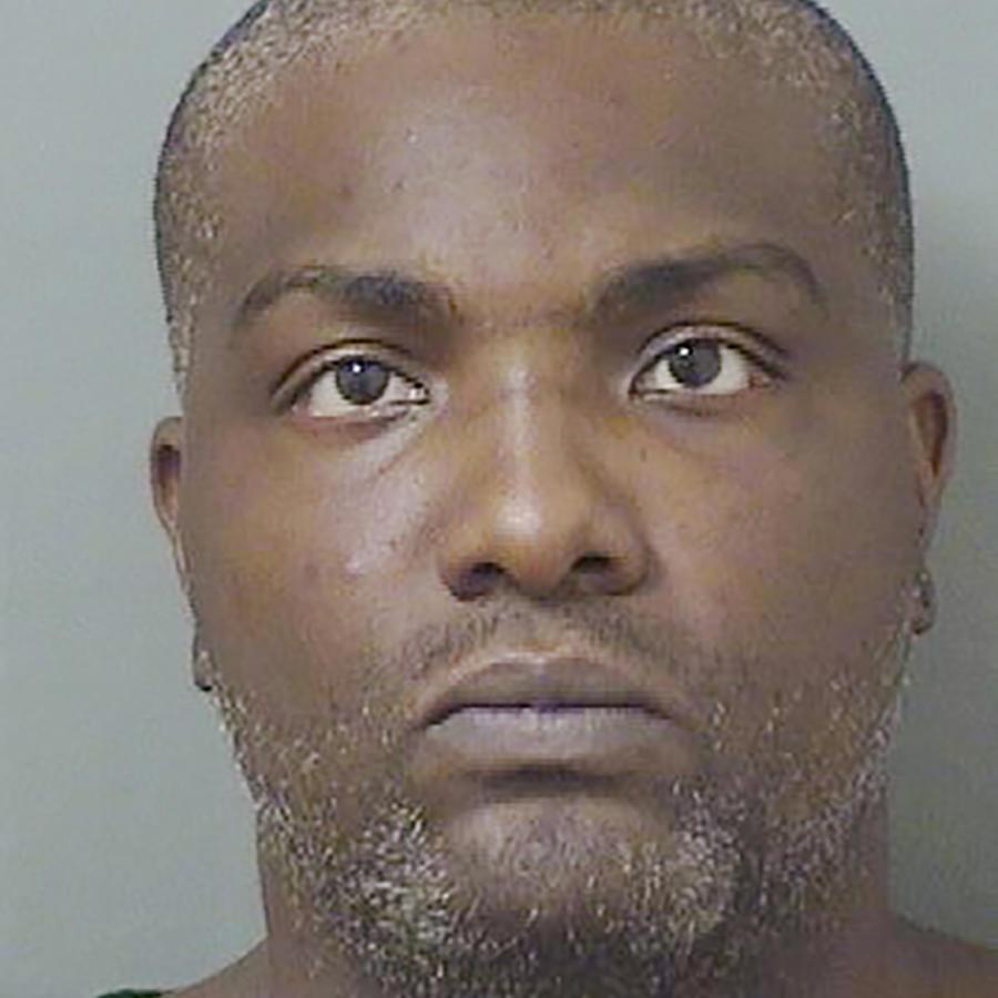 Fotografía de la oficina del alguacil del condado de Palm Beach County de Robert Hayes bajo arresto