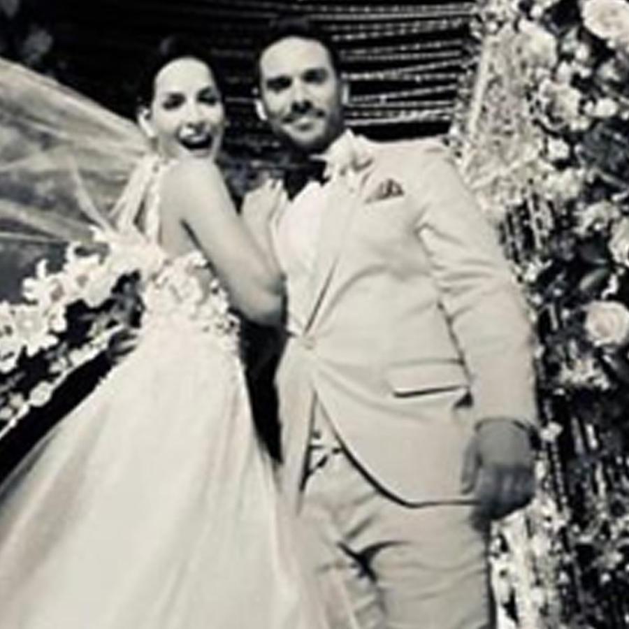 Carmen Villalobos y Sebastián Caicedo en su boda