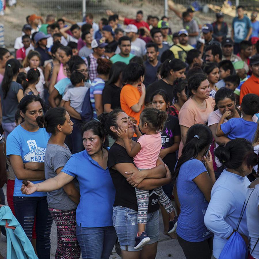 Miles de migrante esperan en México la resolución de sus casos de asilo.