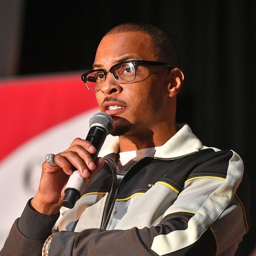 T.I. habla en el escenario durante la proyección de Netflix Presenta Rhythm + Flow Atlanta en la Universidad Clark Atlanta el 8 de octubre de 2019 en Atlanta. Paras Griffin / Getty Images