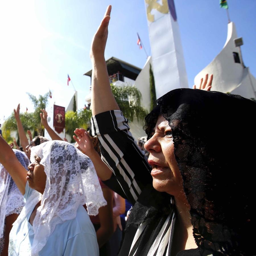 MEXICO-PENTECOSTAL-CHURCH-BAPTISM