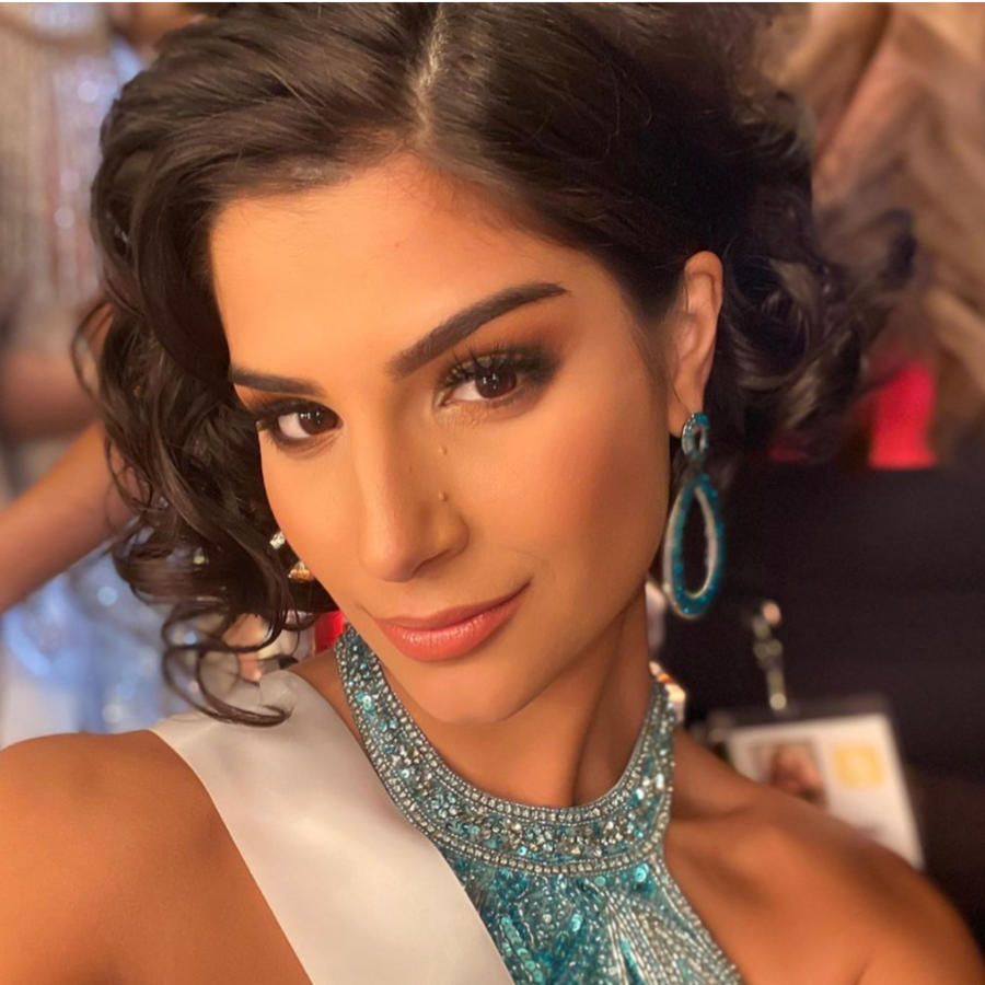 Júlia Horta, Mis Brasil 2019 y Vichitta Phonevilay, Miss Laos 2019