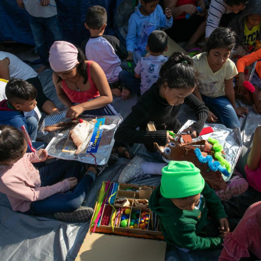 Niños, regalos, Matamoros, México, asilo