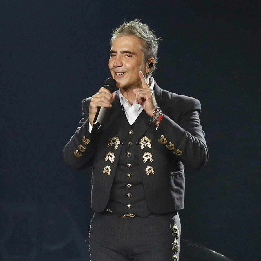 Alejandro Fernández homenajea a Joan Sebastian para ayudar ante el COVID-19