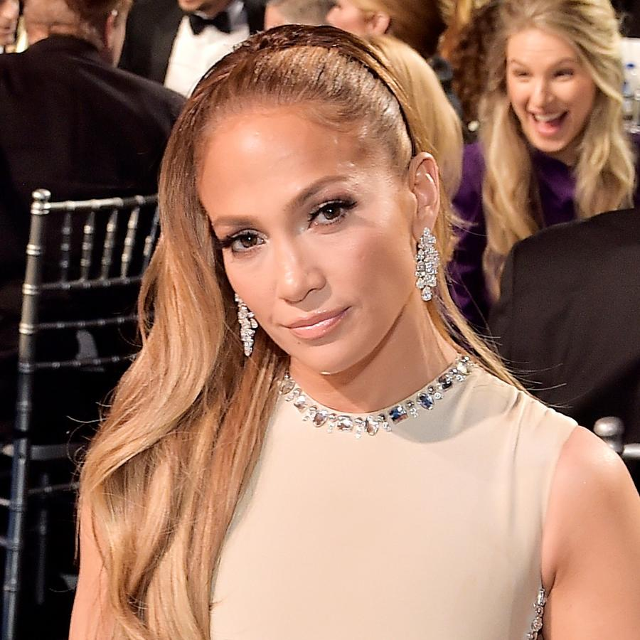 Jennifer Lopez at award show