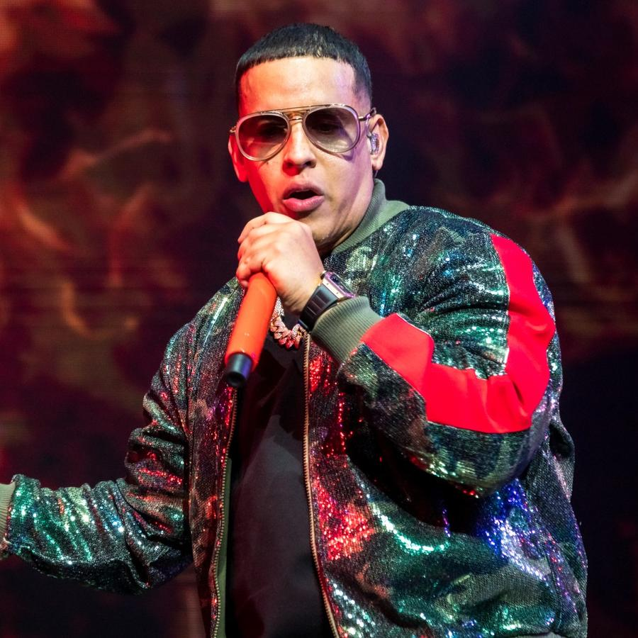 Daddy Yankee singing in concert