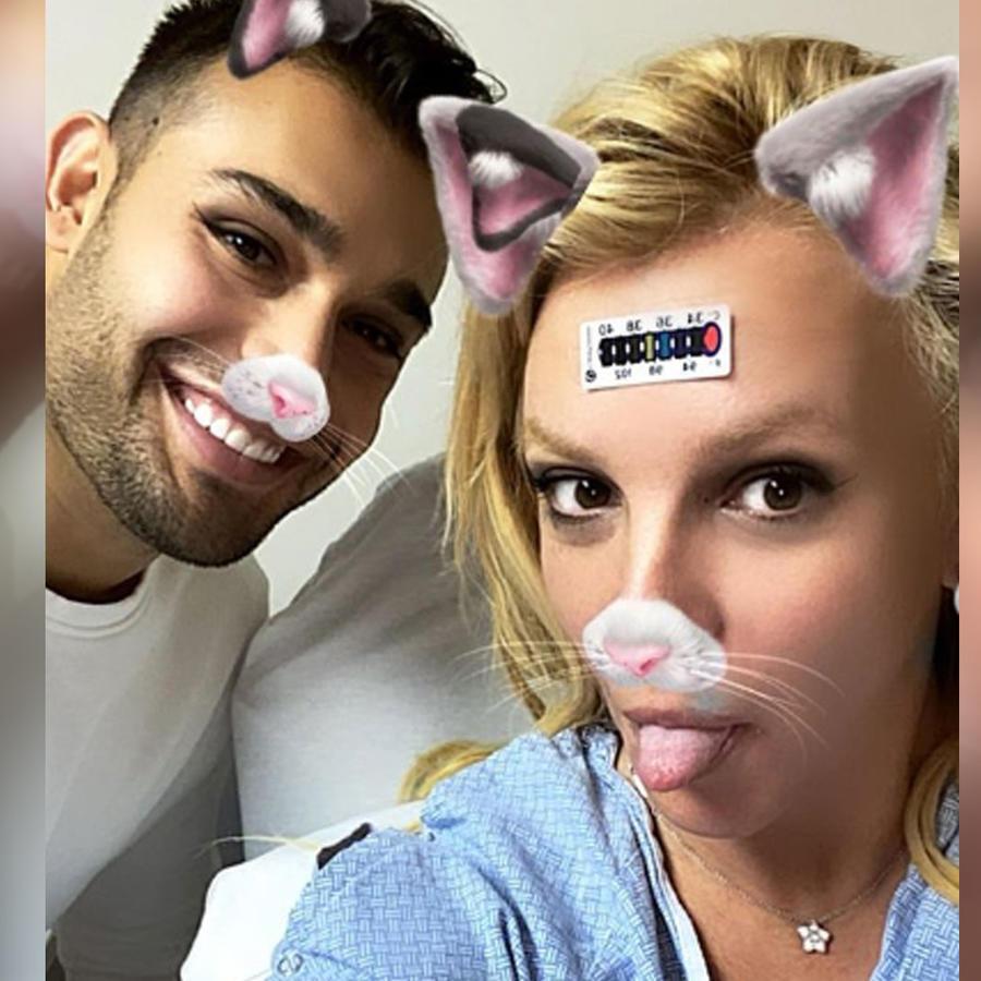 Britney Spears y Sam Asghari en el hospital