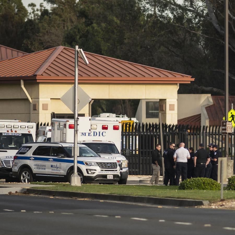Un grupo de ambulancias de la cooperativa Solano EMS,