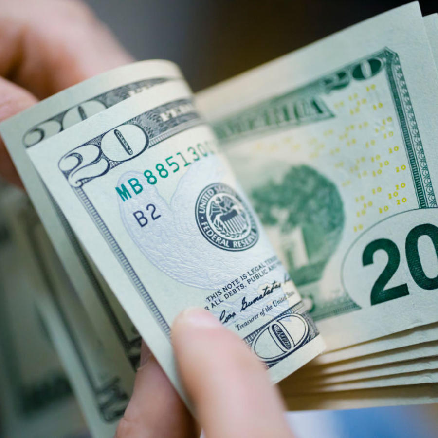 Billetes de dólares.