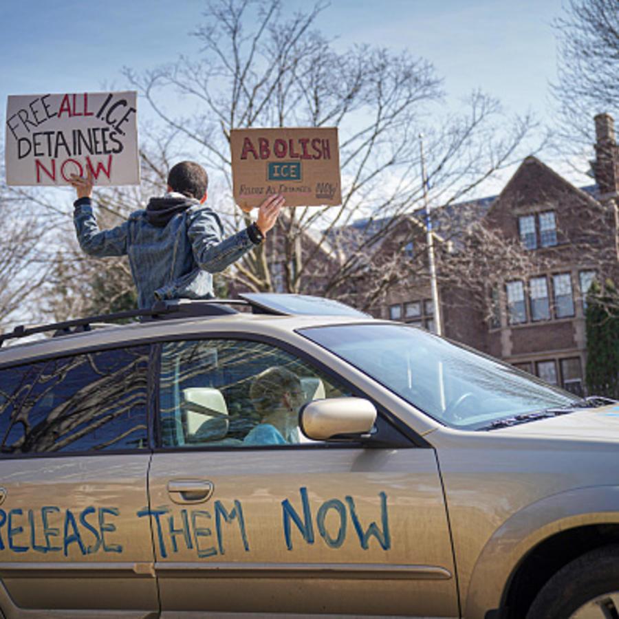 Residentes en las Twin Cities, en Minnesota, exigen la puesta en libertad de inmigrantes detenidos por ICE