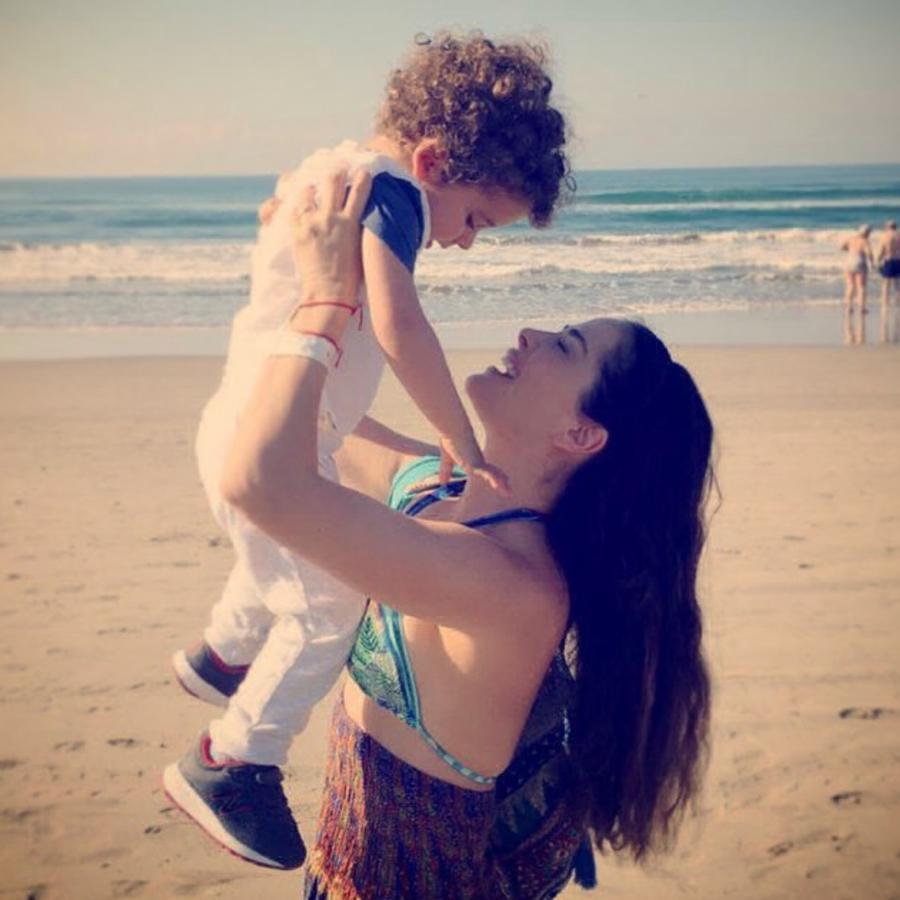 Danna García y su hijo Dante