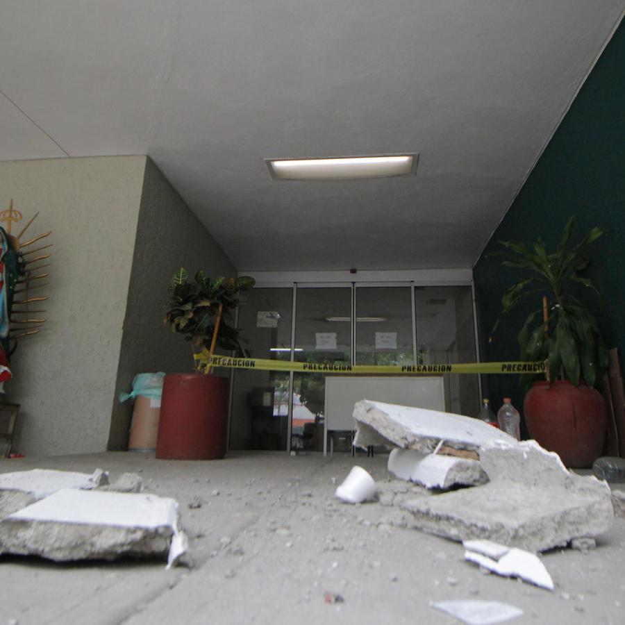 Hospital en Santa María de Huatulco en el estado de Oaxaca dañado por los efectos del terremoto de 7.5 grados de este martes.